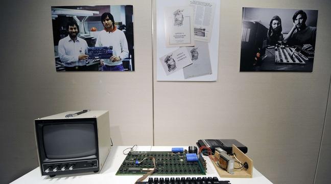 Apple: Un ordinateur vieux de plus de 40 ans vendu 375.000 dollars aux enchères