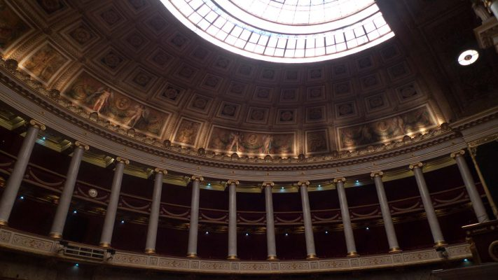 L'Assemblée proposera des formations pour que les députés soient un peu plus geeks - Politique - Numerama
