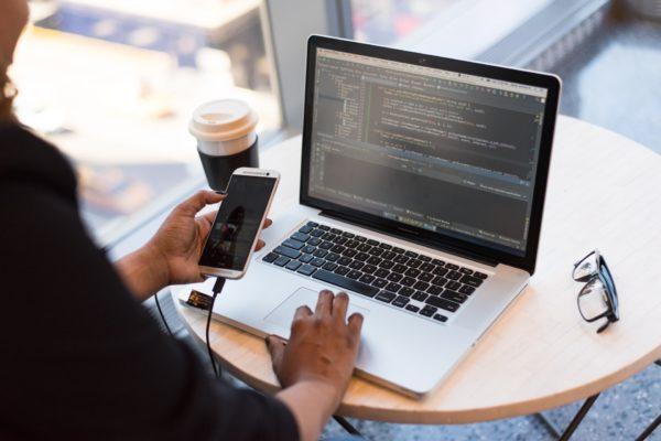 Développement web : les compétences qui font la différence en 2019 - BDM