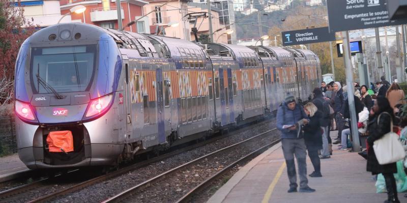Préparez vos CV, la SNCF va embaucher 4.500 postes en CDI partout en France