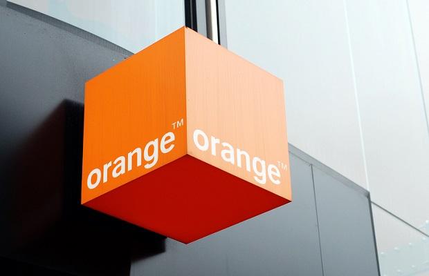 Orange table sur la formation pour préparer ses salariés au monde de demain